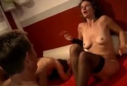 Сильный оргазм во время секса вчетвером